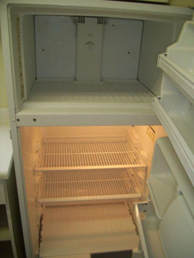 Residential Cleaning – Fridge – After
